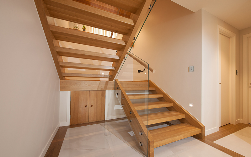 Separare stairs – made from American Oak with open risers