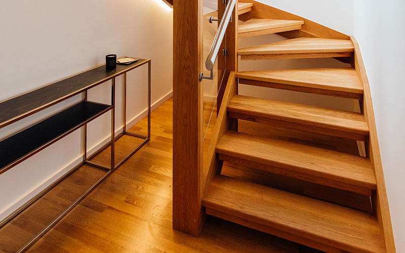 Separare stairs in American Oak – The Block NZ